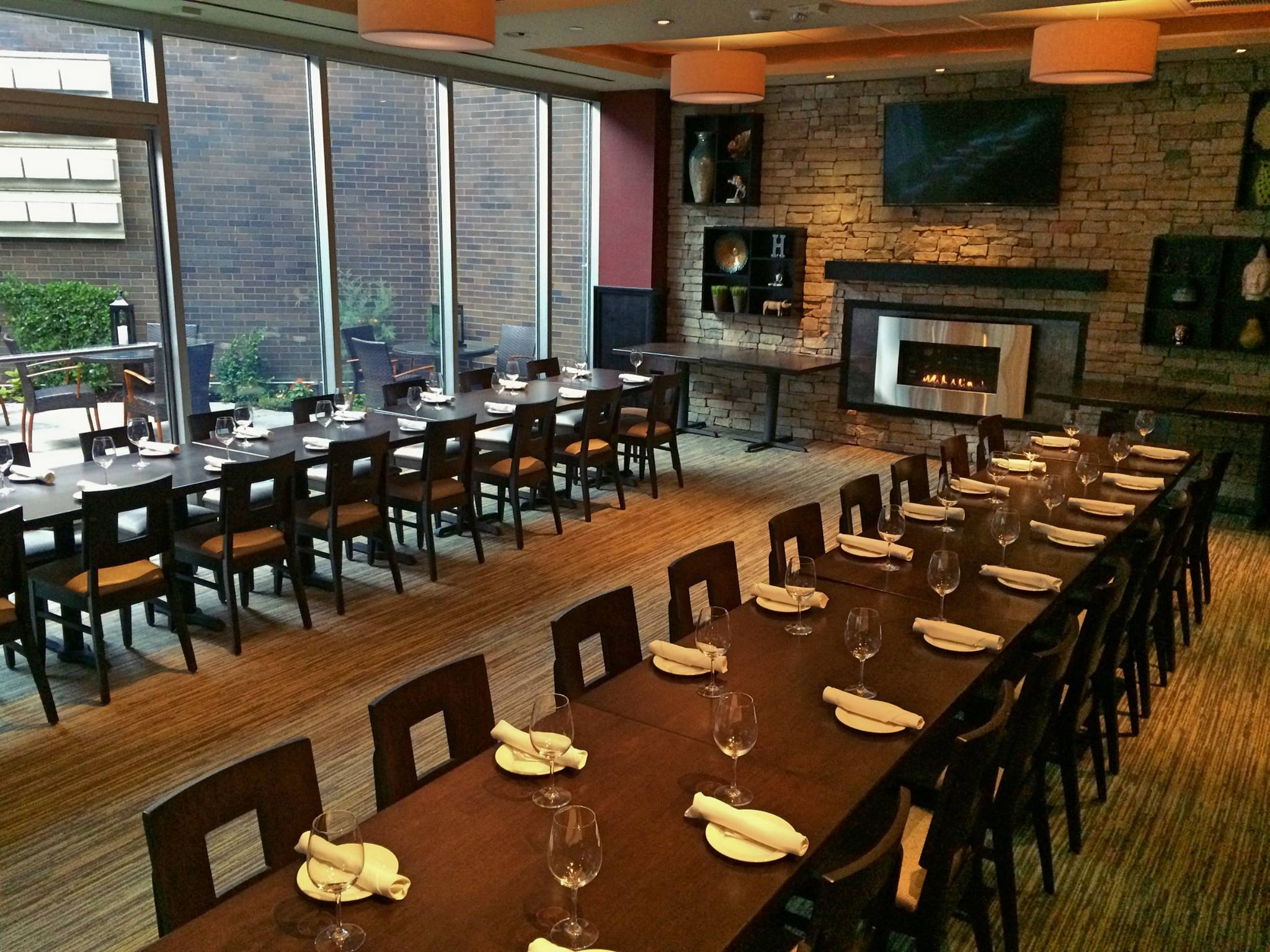 The AV-equipped private dining room for corporate and family gatherings.